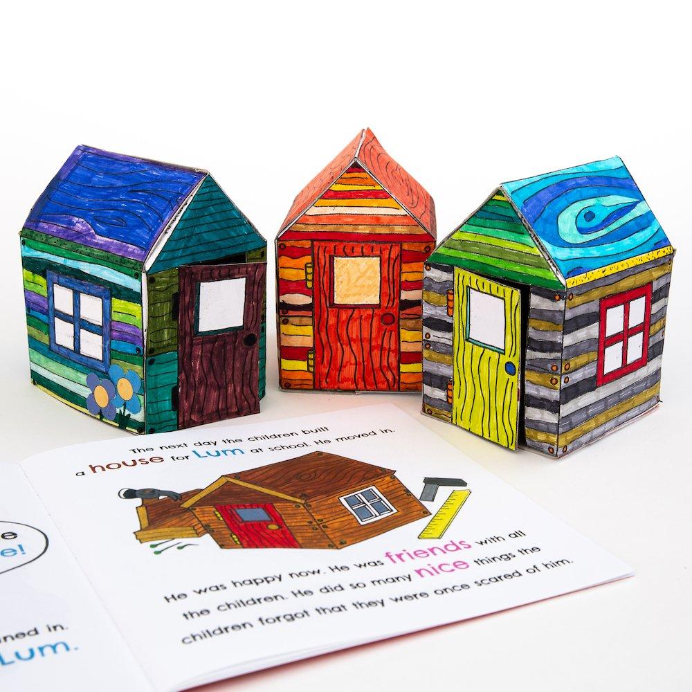 Miniature houses built for Lum